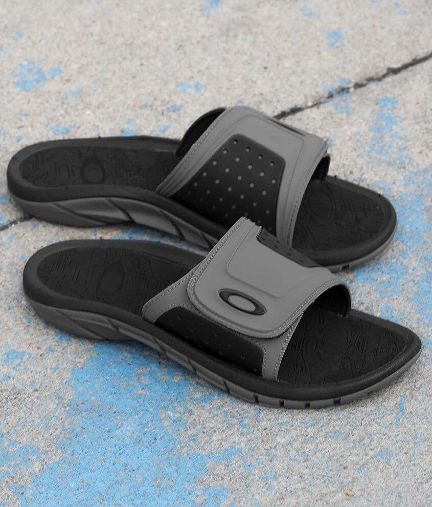 Oakley SuperCOIL Slide front view