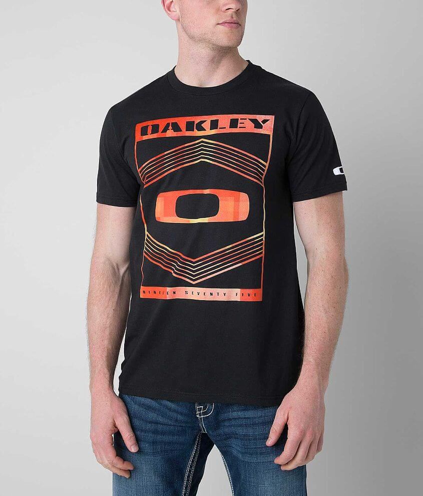Oakley Redic T-Shirt front view