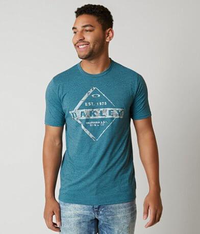 Oakley Distressed O Hydrolix™ T-Shirt