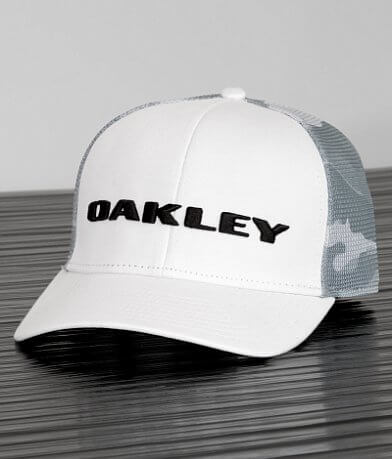 Oakley Tech Trucker Hat