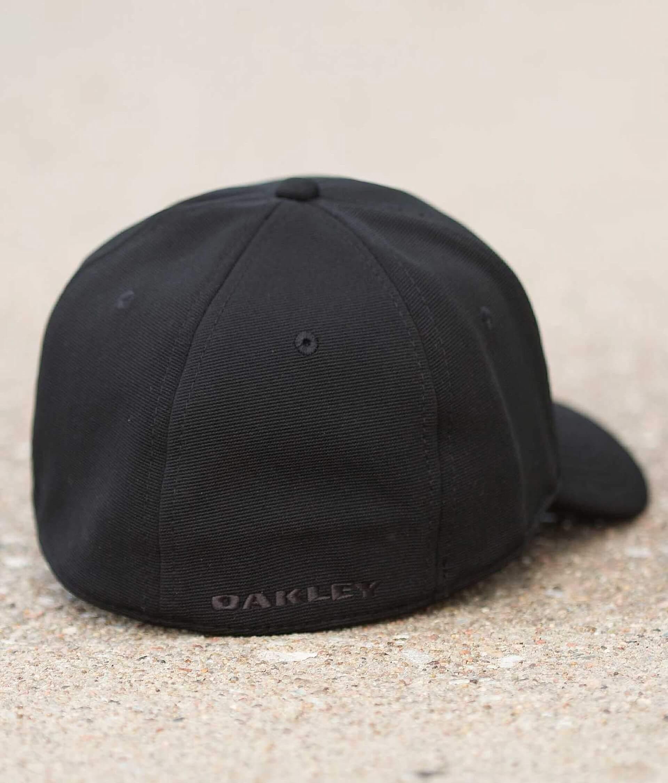 ce72498a23e9de Oakley Tincan Stretch Hat - Men s Hats in Black American Flag