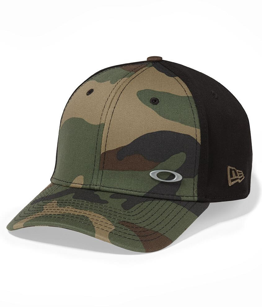 Oakley Tinfoil Hat - Men s Hats in Black Graphic Camo  7650510b9457