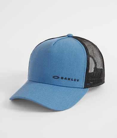 Oakley Chalten Trucker Hat
