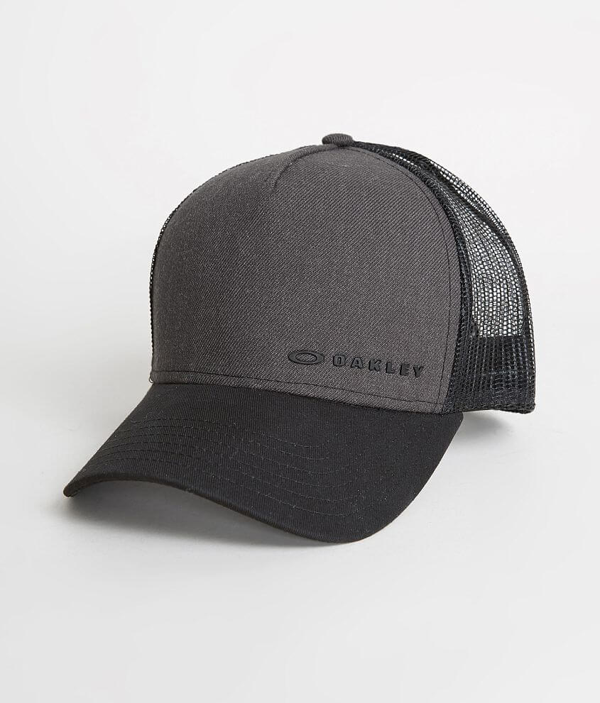cheaper a04b3 2f6a3 Chalten 2.0 Trucker Hat. Oakley