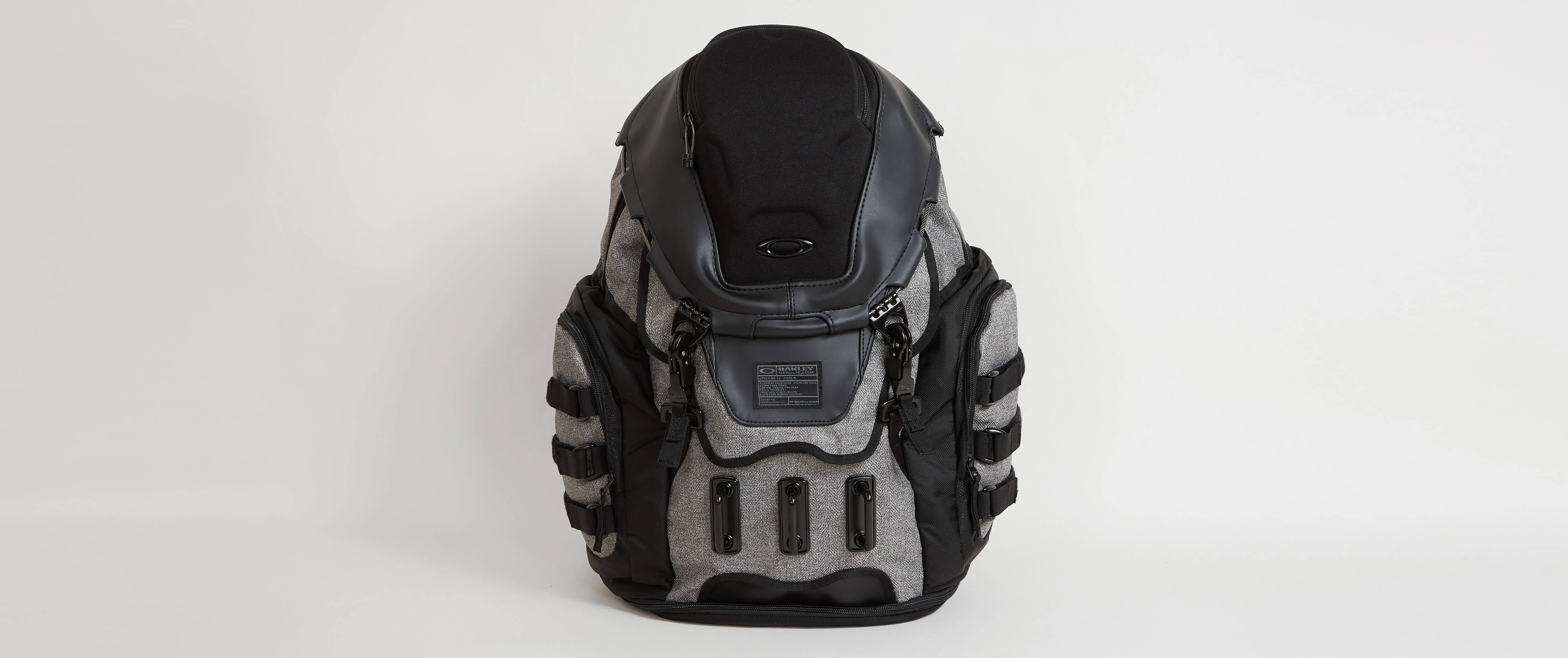 Oakley Kitchen Sink Backpack   Menu0027s Bags In Grigio Scuro | Buckle