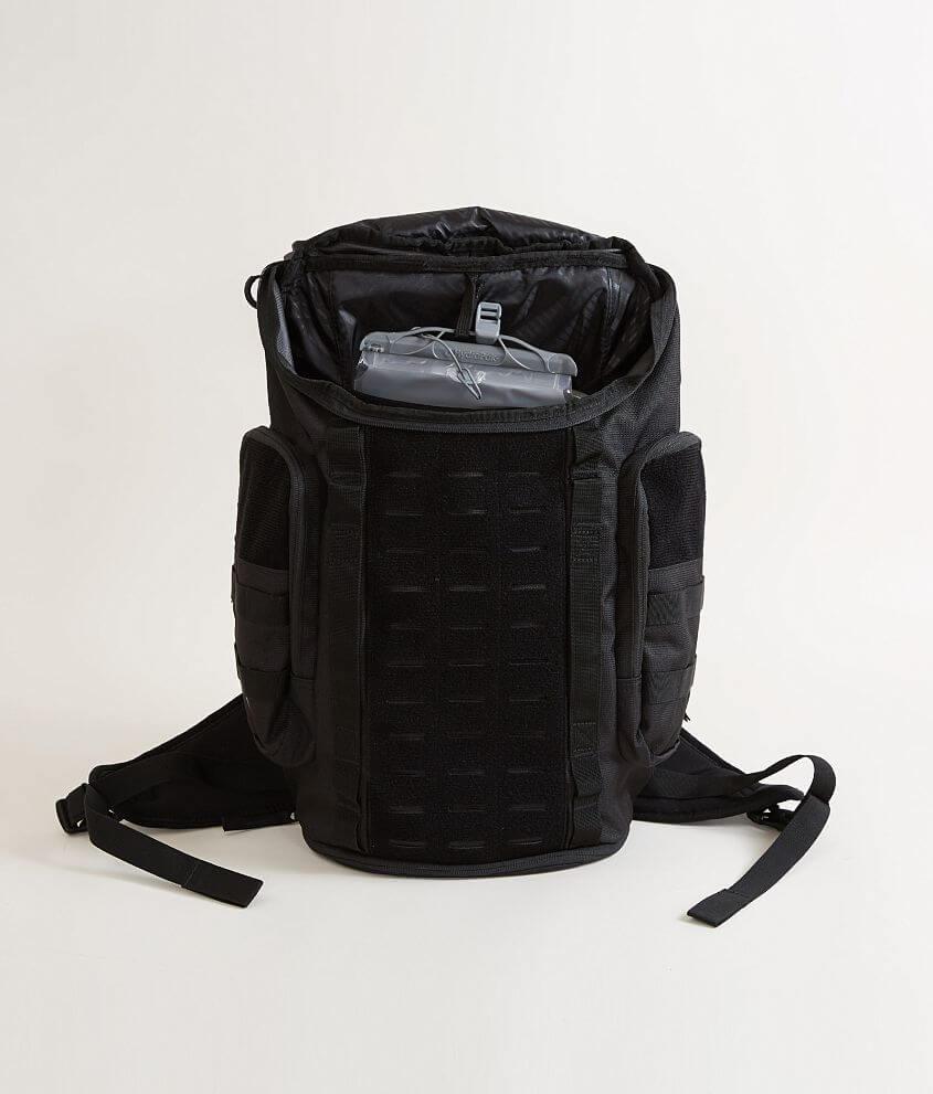 b27c5f45427 Oakley Link Pack Miltac Backpack - Men s Bags in Blackout