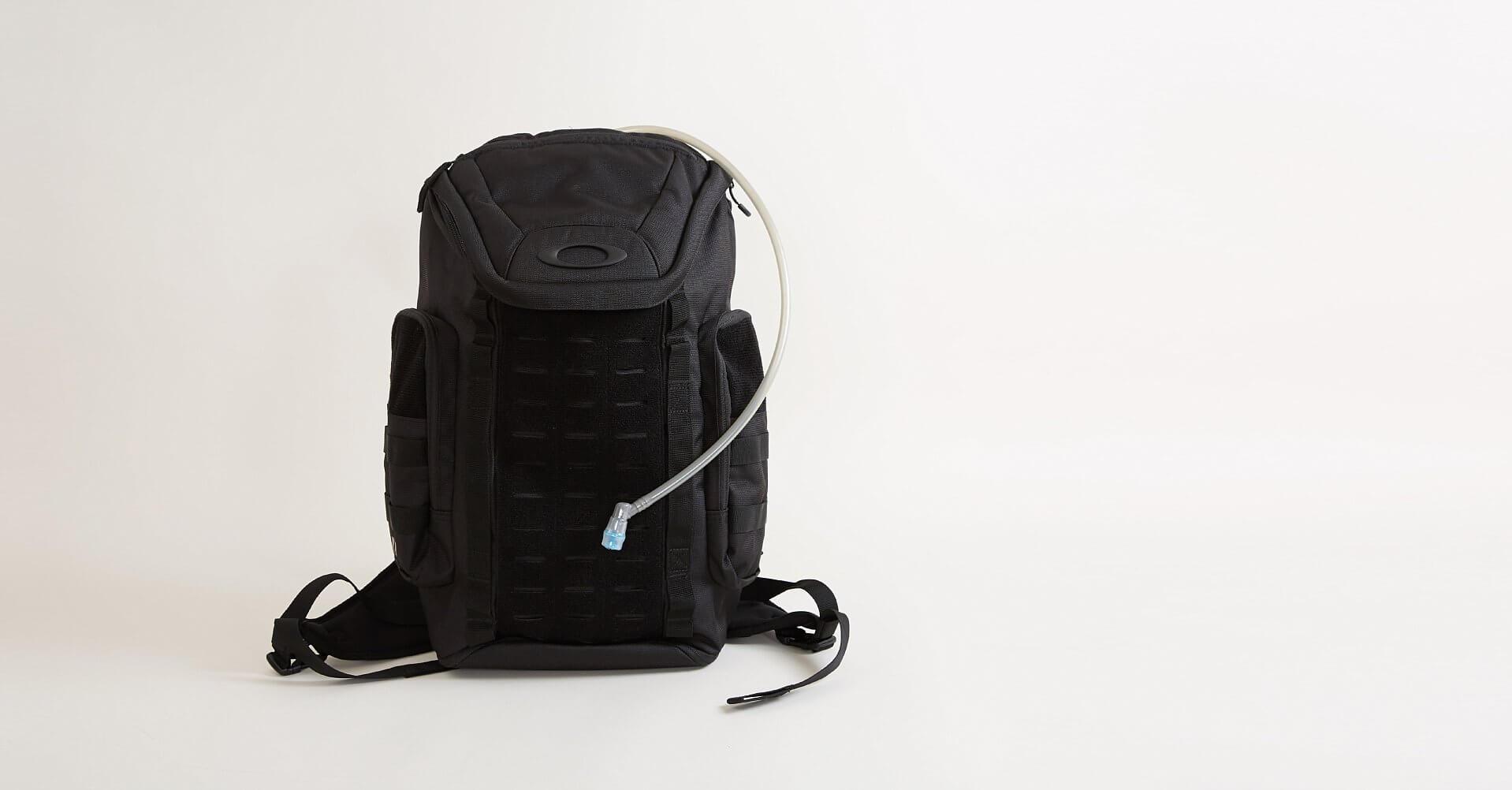 Oakley Link Pack Miltac Backpack - Men\'s Bags in Blackout | Buckle