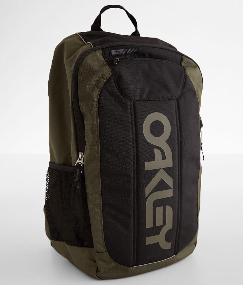 Oakley Enduro 3.0 Backpack front view