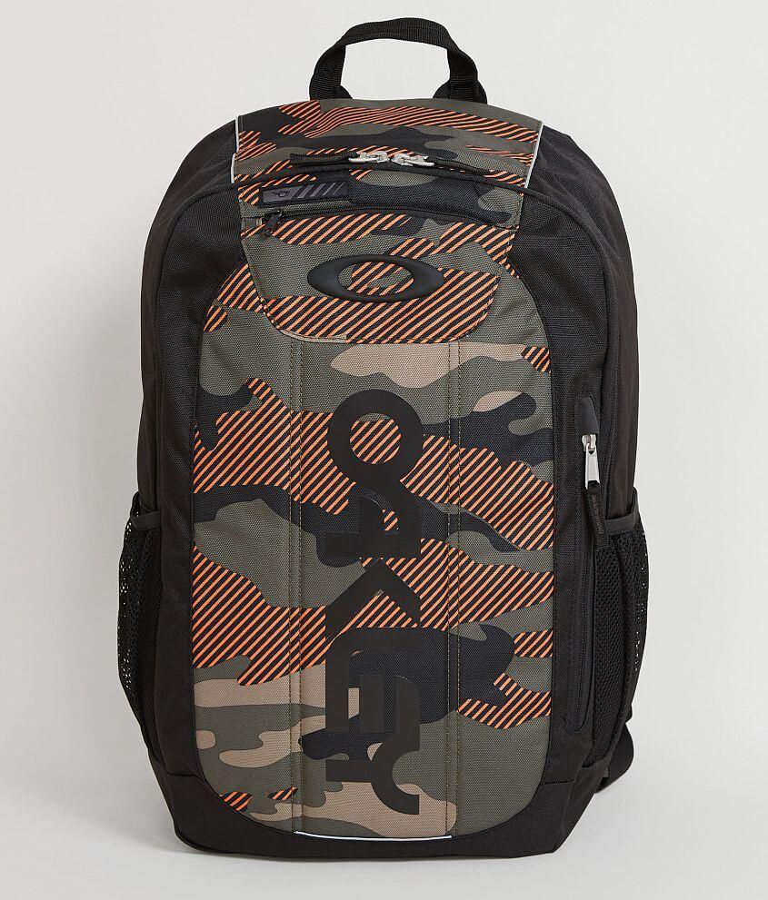 0b384a8a24 Oakley Enduro 20L 2.0 Backpack - Men s Bags in Warning Camo