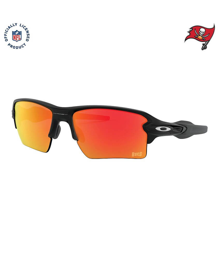 Oakley Flak 2.0 XL Tampa Bay Buccaneers Sunglasses front view