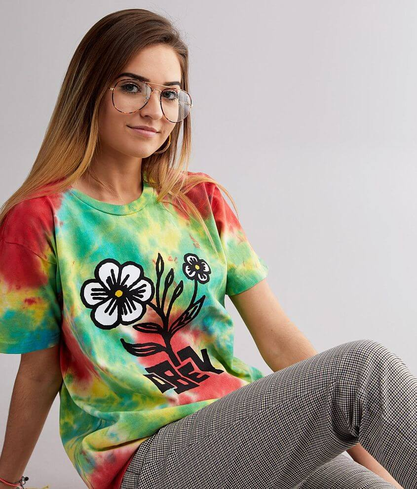 Floral graphic tie dye boxy t-shirt Bust measures 38\\\