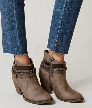 BKE sole Elaina Ankle Boot