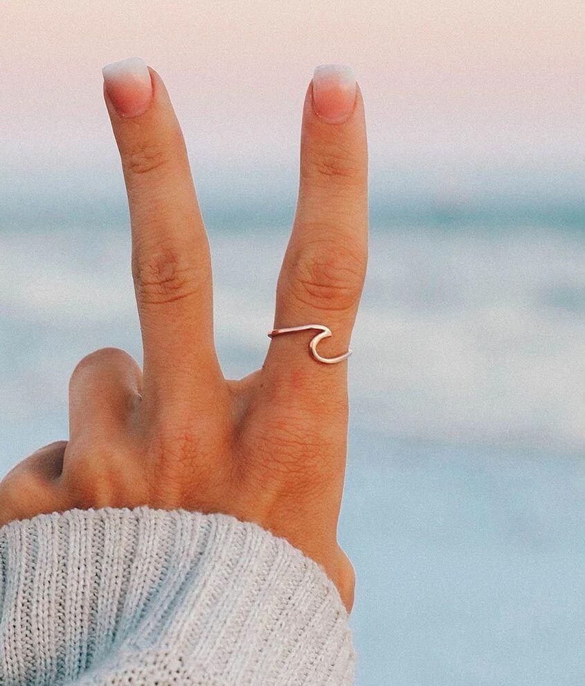 Pura Vida Wave Ring front view