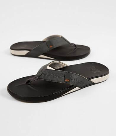 723bdd7d06 Men's Flips & Sandals | Buckle