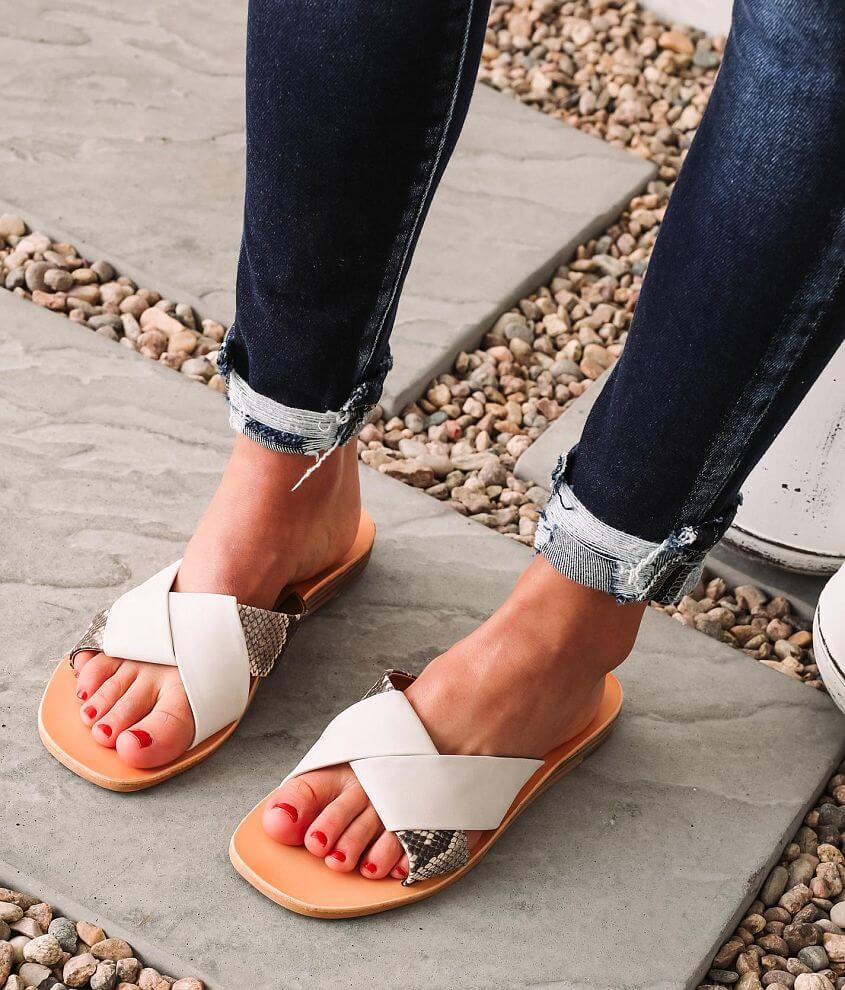 DV by Dolce Vita Lima Two-Tone Sandal front view