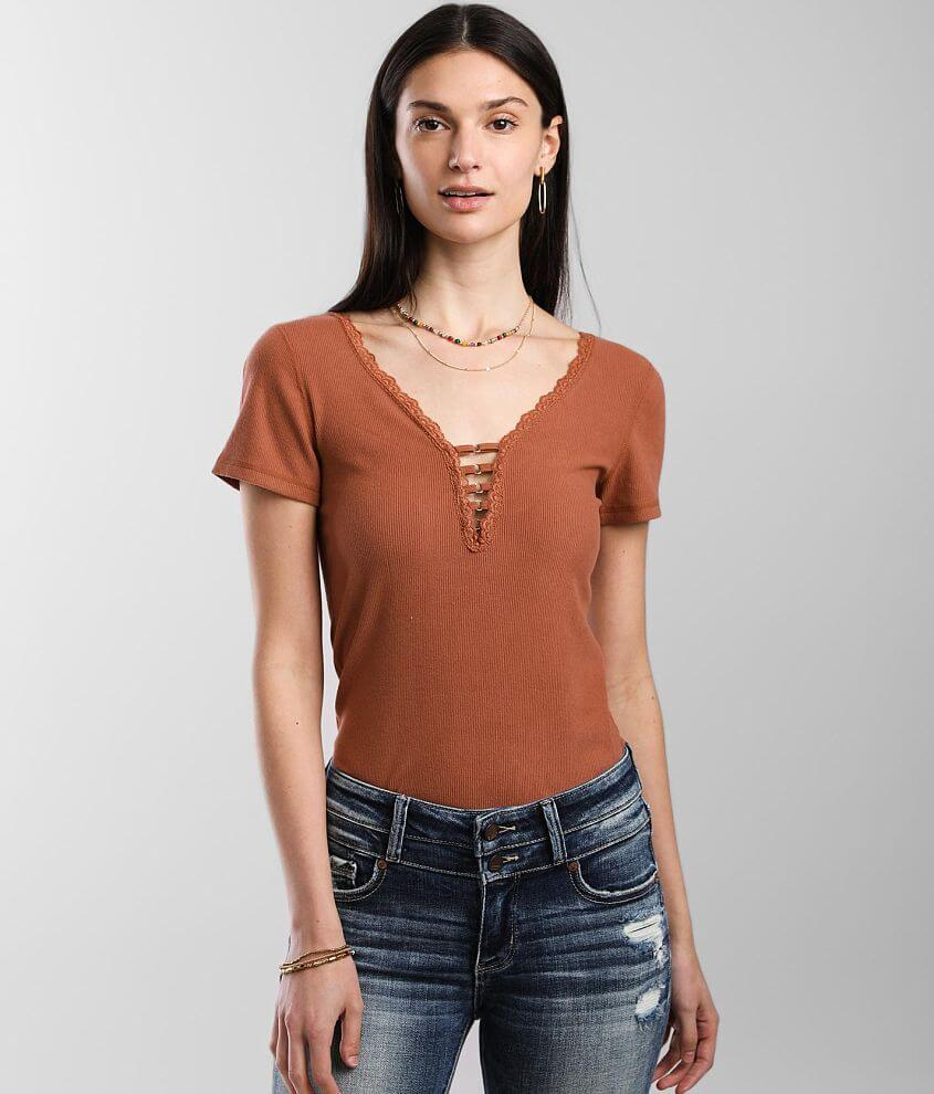 red by BKE Lace Trim Top front view