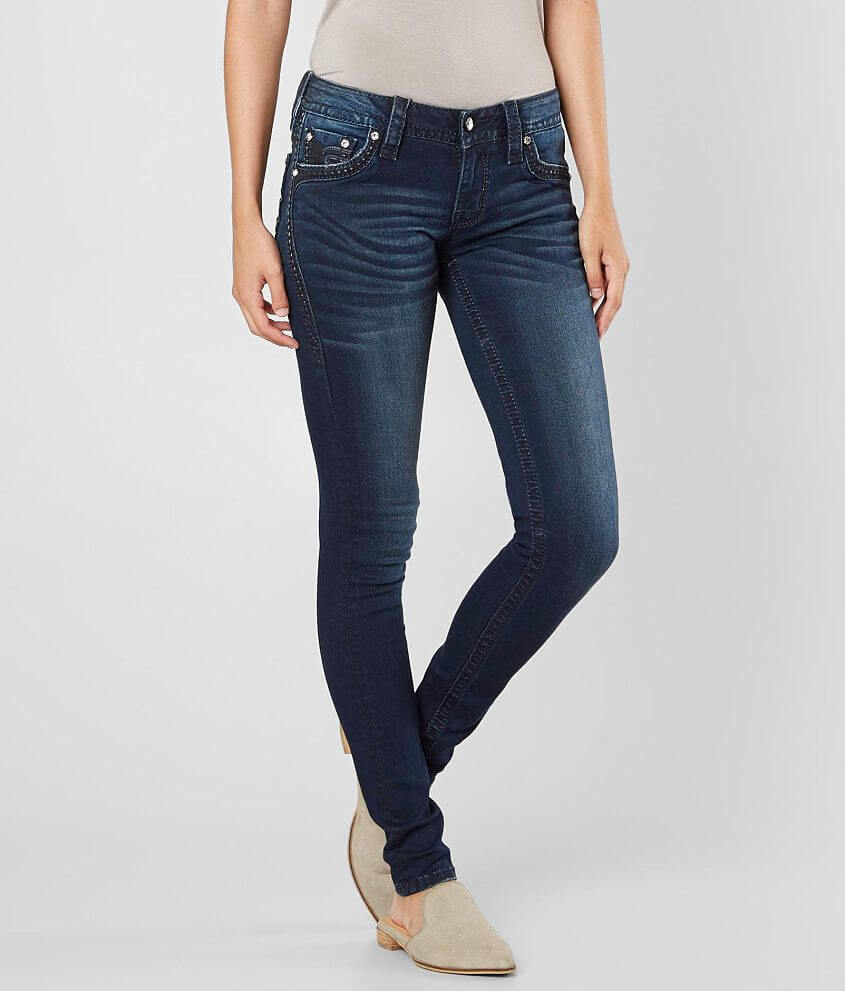 Style 2595S200/Sku 132230 Low rise zip fly stretch jean Slim through the hip and thigh 11\\\