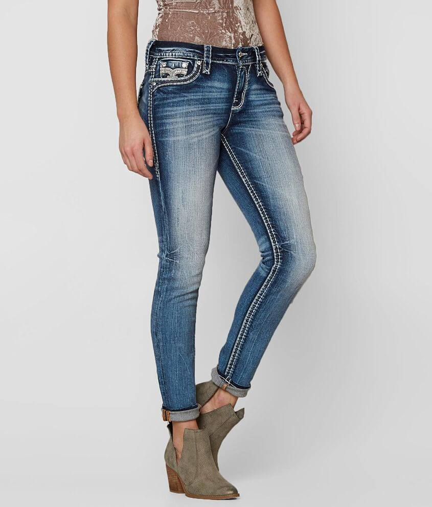 Style 510ES202/Sku 129563 Mid-rise zip fly stretch jean Curvy fit, eased through the hip and thigh 10\\\