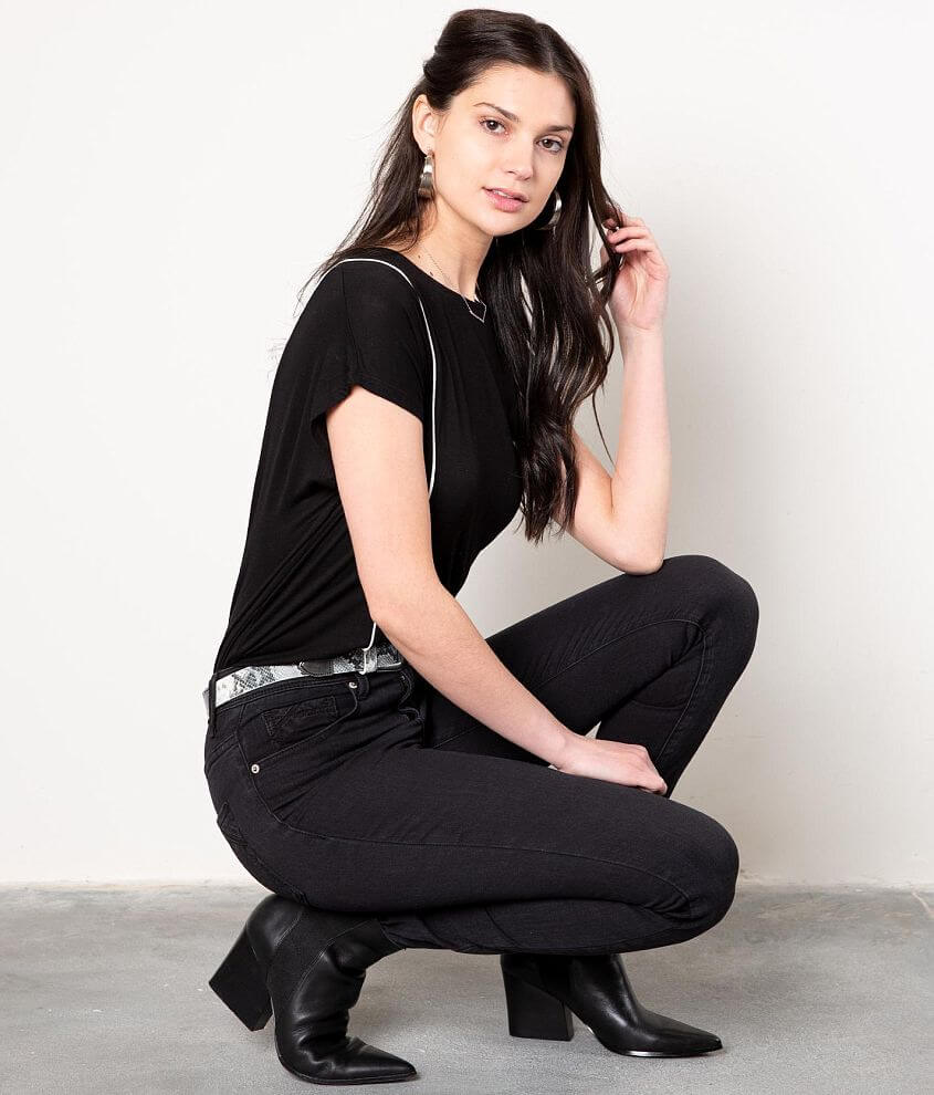 Buckle Black Piped Top front view
