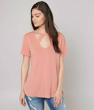 red by BKE Cut-Out Top