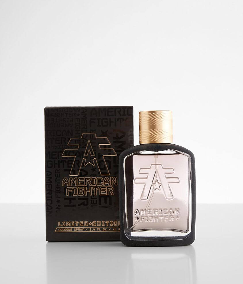 Men\\\'s 2.4 oz spray cologne Top Notes: Basil and Mandarin Middle Notes: Ginger and Jasmine Dry Notes: Cedarwood and Vetiver Due to the contents of this product, this item is only available via Ground Shipping No shipping to Alaska, Hawaii, international locations, US territories, APO/FPO addresses or P.O. Boxes