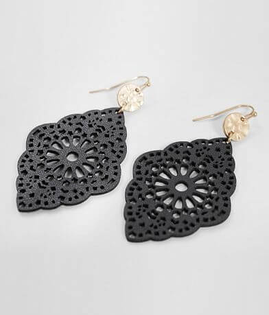 BKE Scalloped Edge Earring