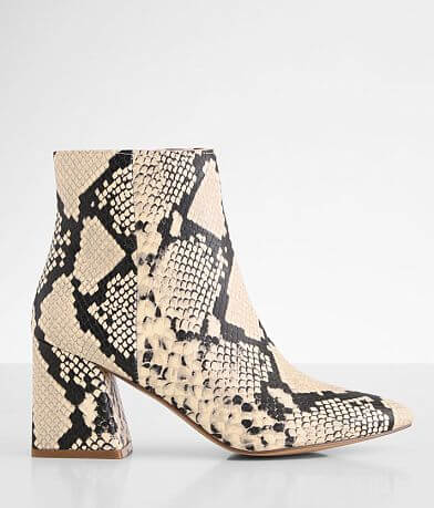 Steve Madden Nix Pointed Toe Ankle Boot