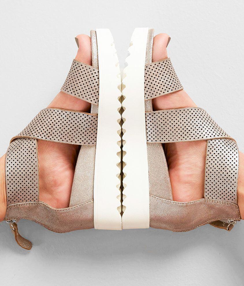 43681de81419 Steven Klein Leather Sandal - Women s Shoes in Metallic