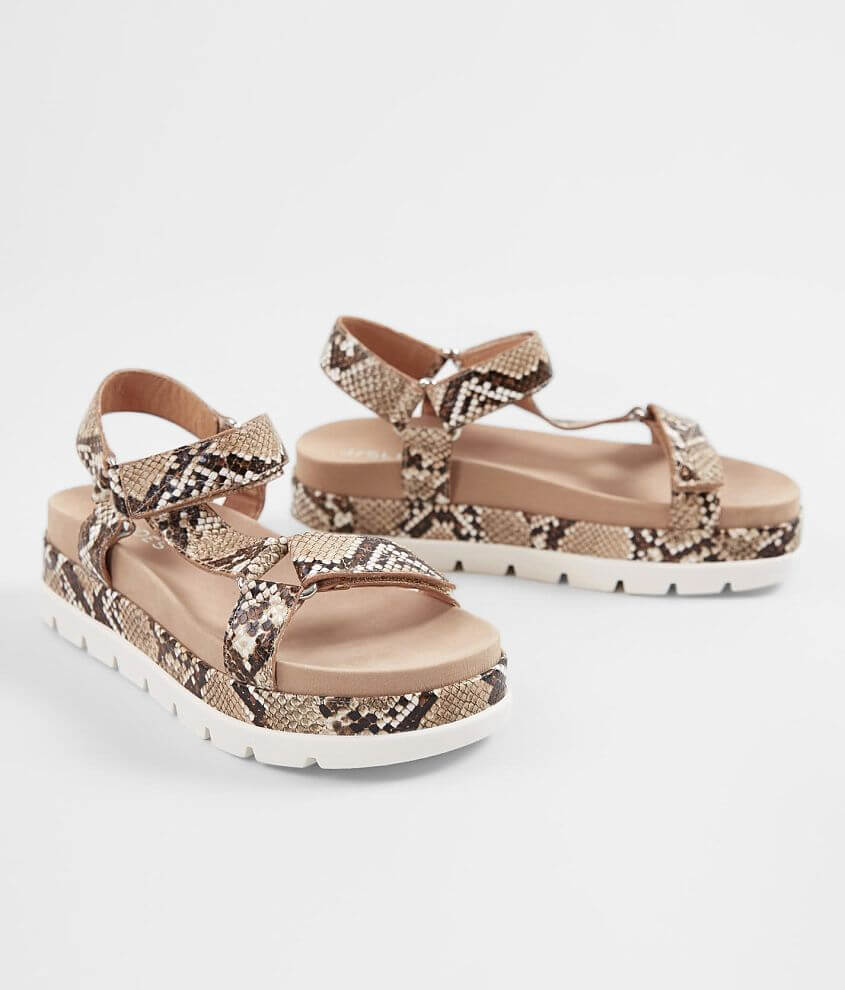 cf26d0c8a81 J/Slides Blakely Leather Sandal - Women's Shoes in Natural | Buckle