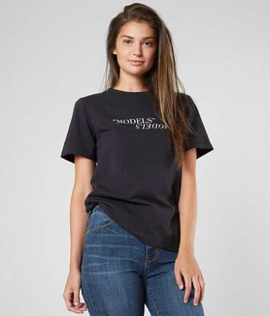 KENDALL + KYLIE Models T-Shirt