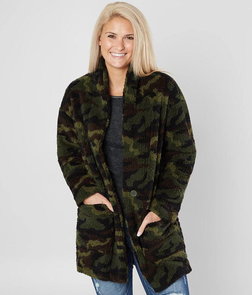 6620d88f69028 Ashley Oversized Camo Jacket - Women s Coats Jackets in Green Camo ...