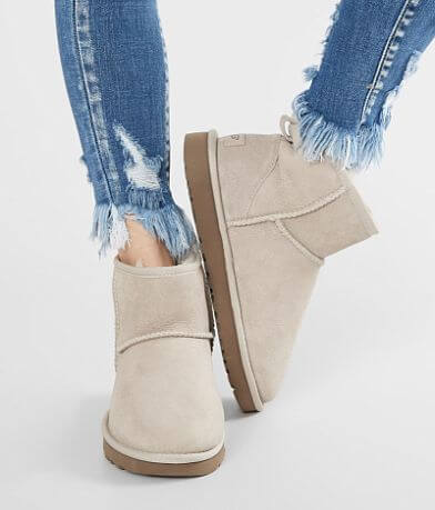 UGG® Classic Leather Mini Boot