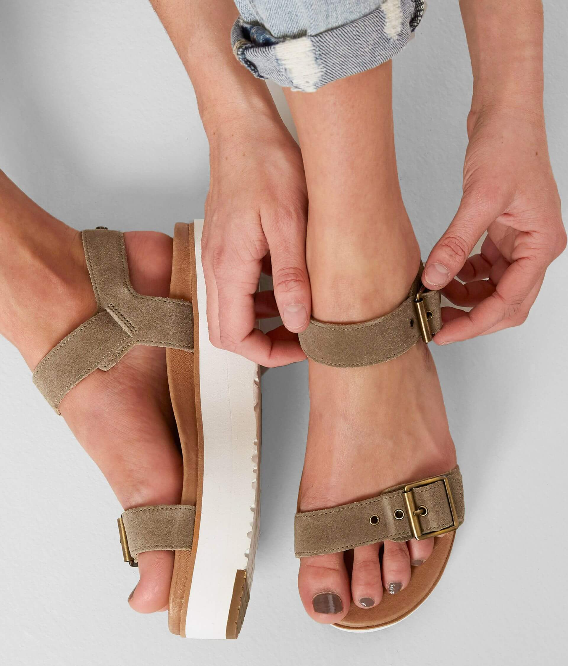 680feda3d09 UGG® Angie Sandal - Women's Shoes in Antilope | Buckle