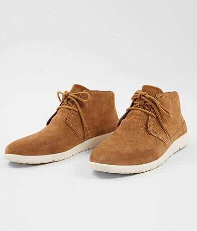 UGG® Dustin Chukka Leather Shoe