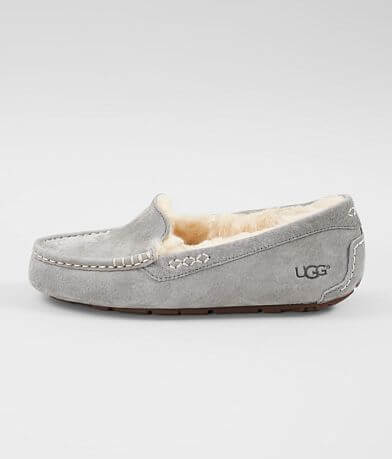 UGG® Ansley Leather Slipper