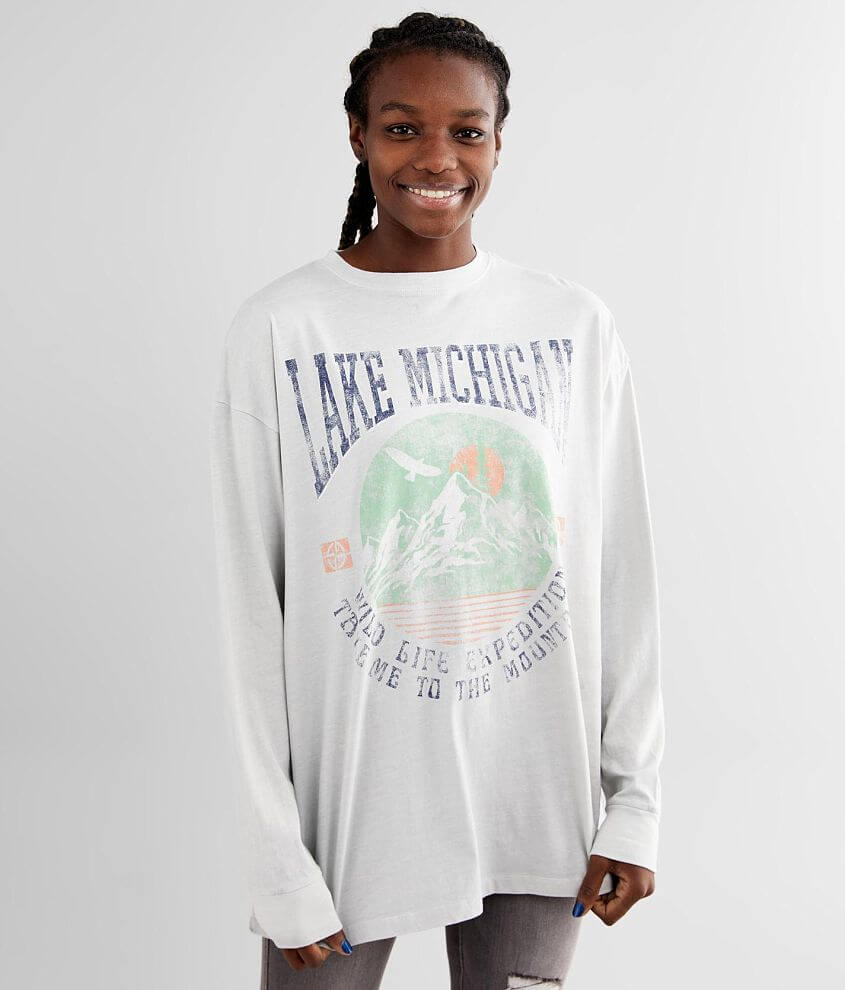 Distressed graphic oversized t-shirt Bust measures 47\\\