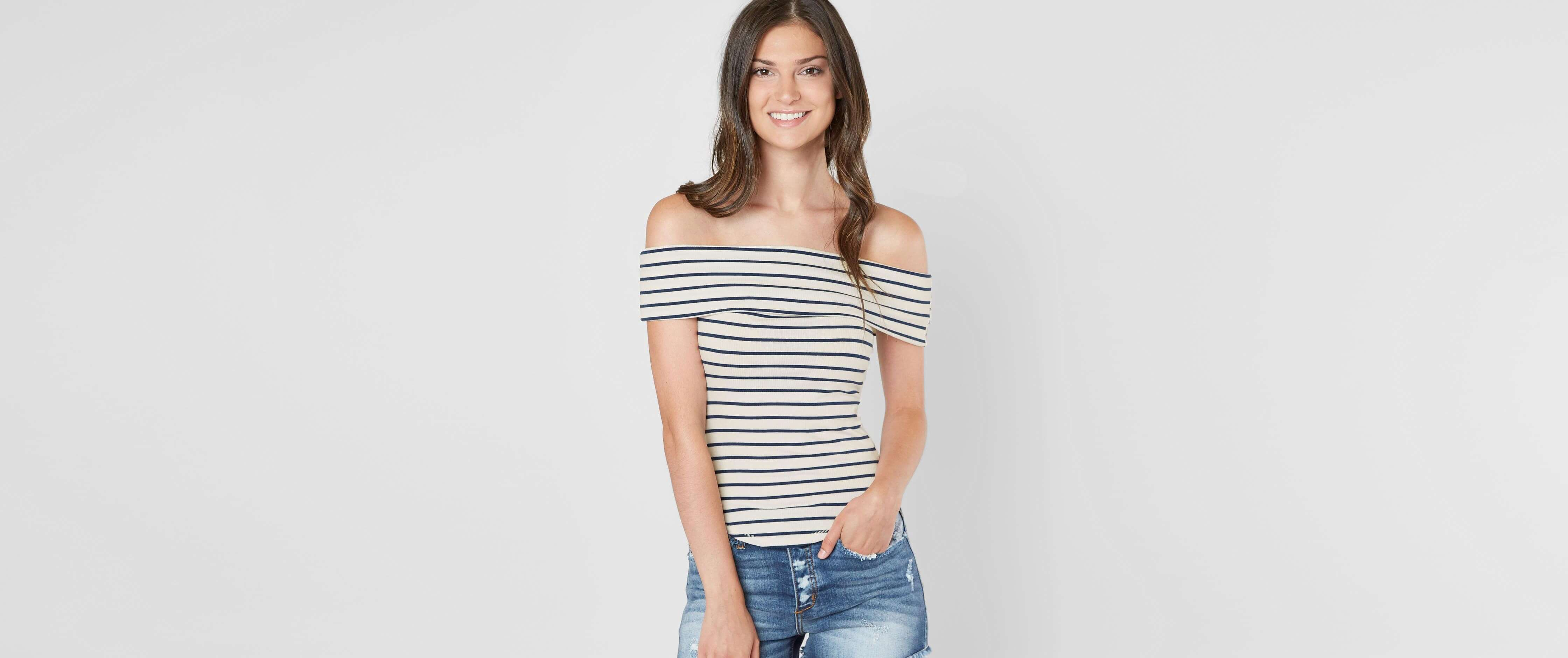 68a28612e62c Shirts Blouses at Buckle , Cedar Falls | Tuggl - local retail stores ...