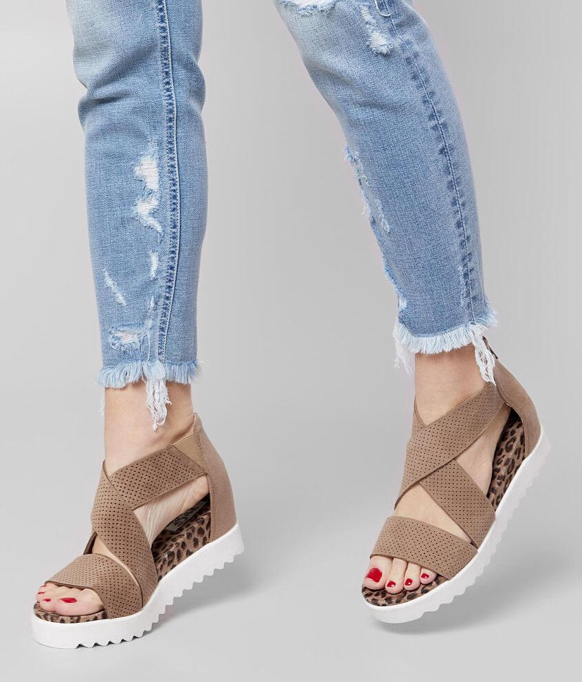 Very G Ace Flatform Sandal front view