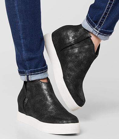 Very G Anna Metallic Wedge Shoe