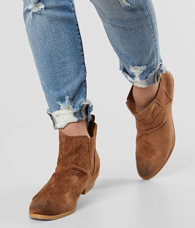 Very G Aubrey Faux Suede Chelsea Ankle Boot