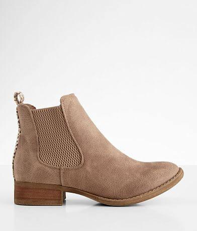 Very G Blake Chelsea Boot