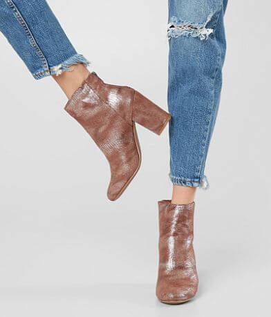 Very G Boa Ankle Boot