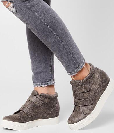 Very G Braden Hidden Wedge Shoe