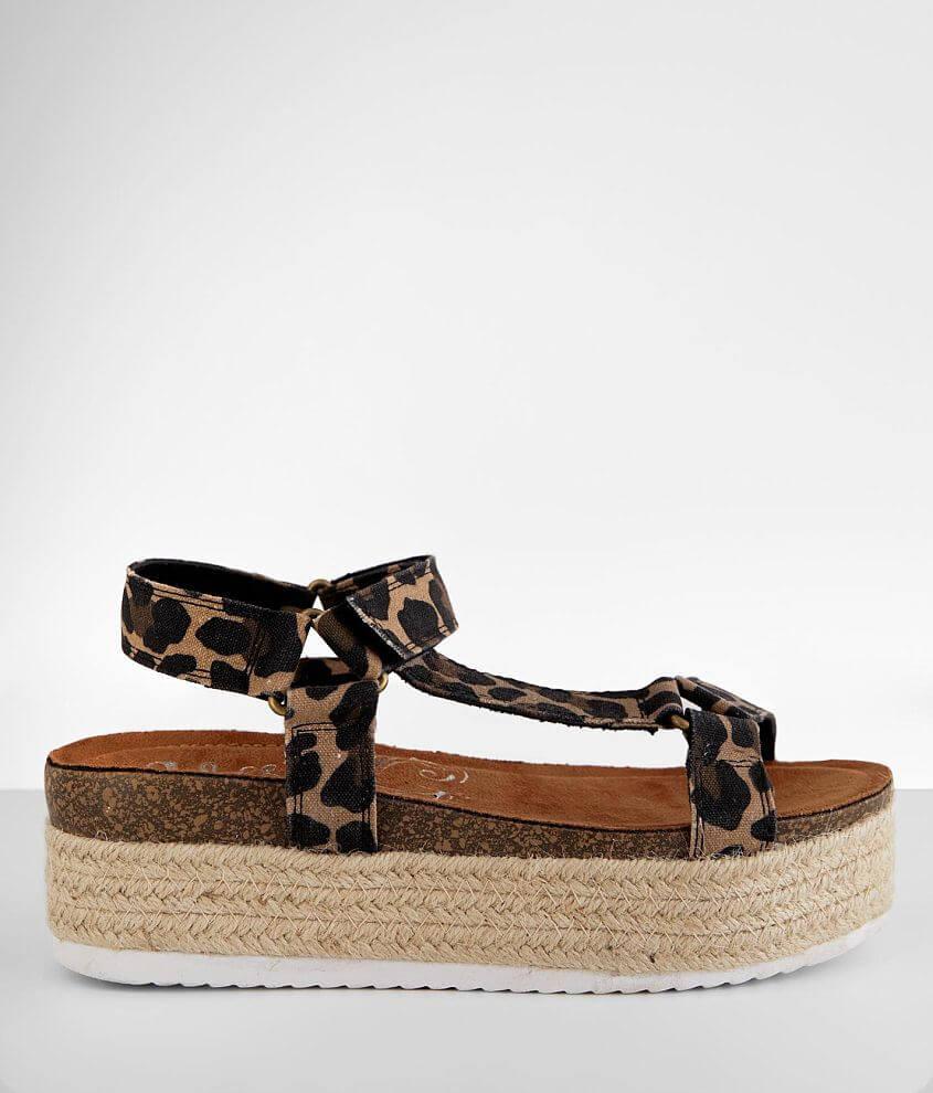 Very G Jenny Flatform Sandal front view