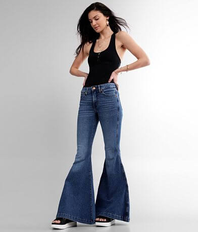 Wrangler® Retro® High Super Flare Jean