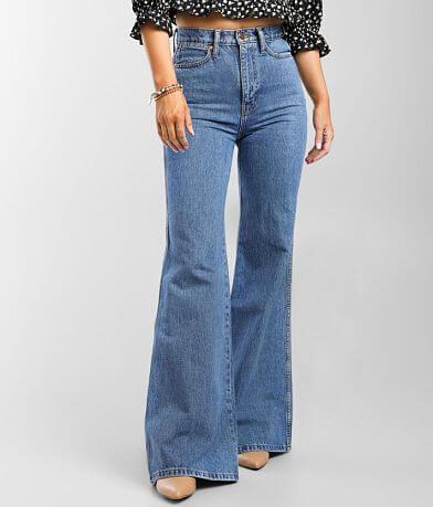Wrangler® Wanderer High Rise Flare Jean